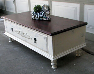 TODAY - 2 TONE/SHABBY CHIC COFFEE TABLE/BLANKET CHEST