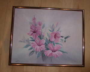 Picture with pink flowers and hummingbird