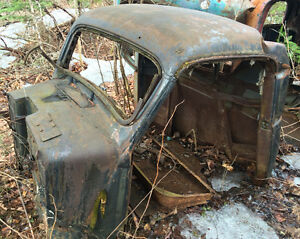 Various Old truck cabs/parts - 1