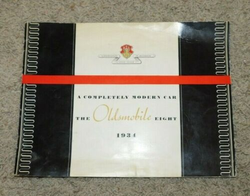 1934 The OLDSMOBILE Eight  Color Brochure Beautifully Illustrated 24 Pages