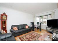 2 bedroom flat in Heather Gardens, Golders Green