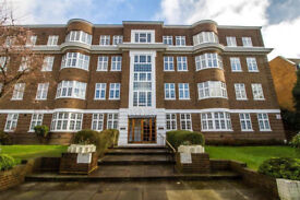 Stunning Spacious Four Bedroom Apartment in Wimbledon, The Downs