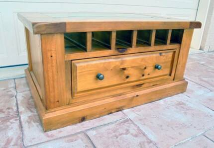 1 Drawer Wooden Coffee Table with Wine Bottle Display/Storage