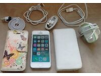 iPhone 5 - 16GB unlocked to ANY network - Complete with charger, 2 cases & 4 spare leads - 16GB