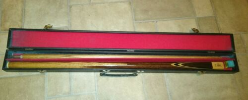 Snooker pool cue with carry case and chalk