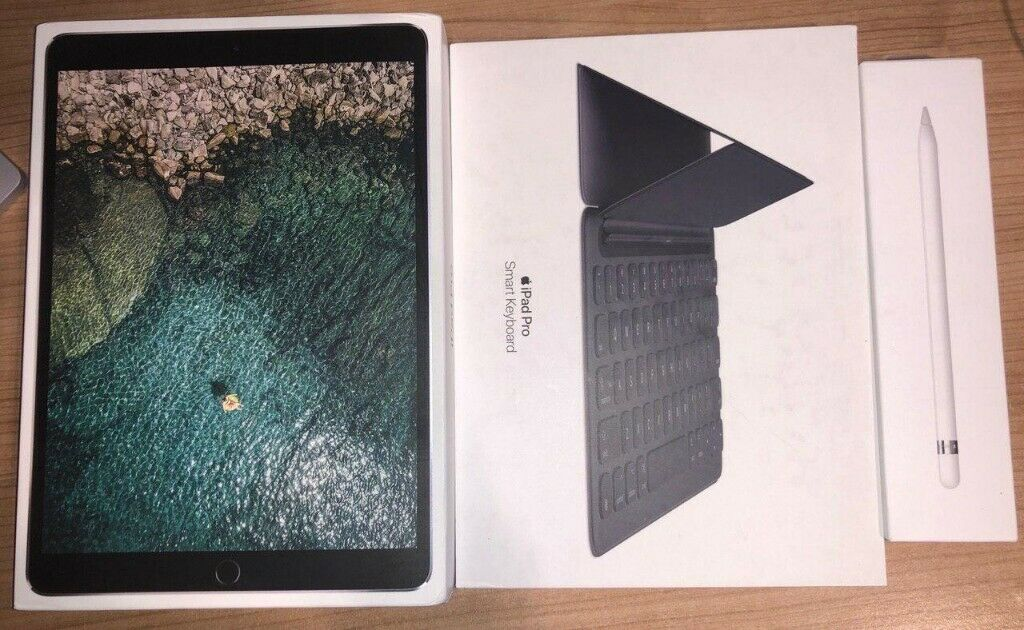 Ipad Pro 10 5 2nd Gen 64 GB Wi-Fi - Space Grey (with Apple Pencil and Apple  Smart Keyboard)   in West End, London   Gumtree