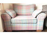 Sofa/Chairs/Trunks
