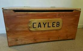 Handmade SOLID WOOD Personalised Toybox!!