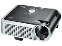 Portable or roof mounting Digital projector and 6' x 5' screen. Ideal for office or home use.