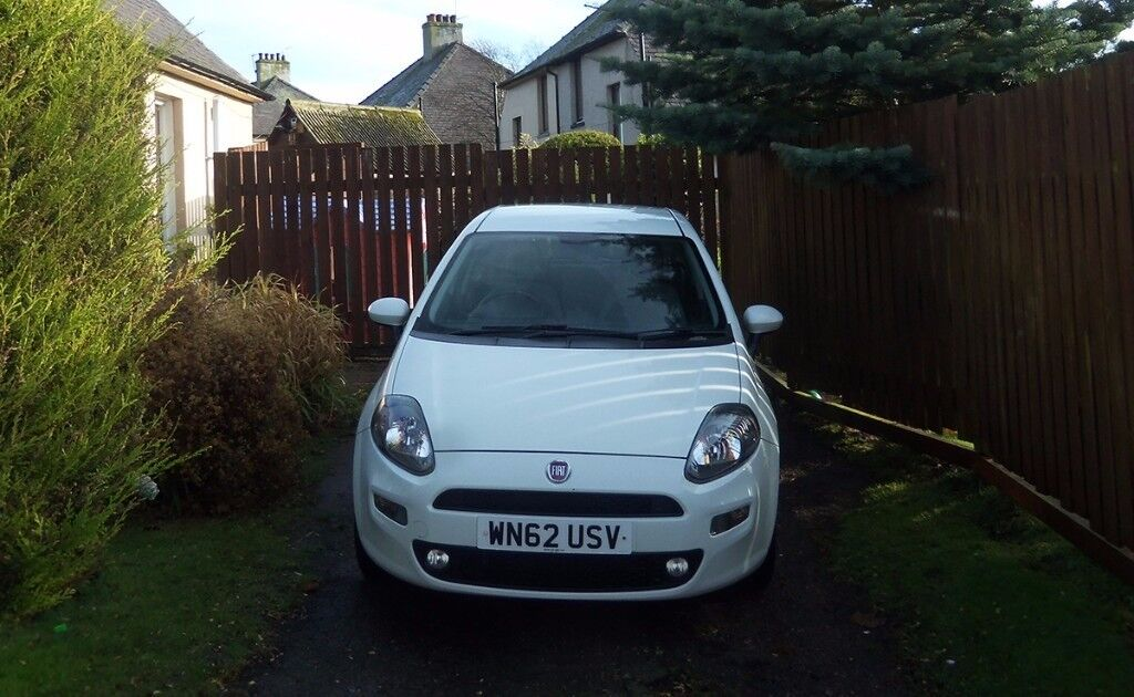 2012 Fiat Punto, Easy 1.2, 5 speed, 5 door hatchback