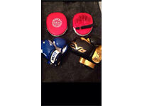 Brand new !boxing gloves with mits