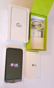 Unlocked Mint condition LG G5, 32GB, 5.3 in QHD.