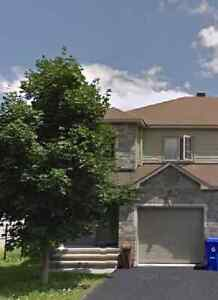Beautiful EndUnit Townhome (with 6 appliances! 8min to downtown)