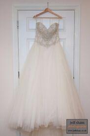Beautiful Soterro Midgley Wedding Gown
