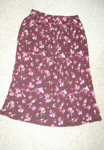 Ladies-Long-Floral-Pattern-Gypsy-Hippy-Style-Skirt-Size-14-16-NWT
