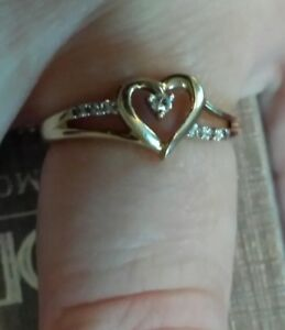 14k gold with diamonds sweetheart ring