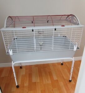 LARGE CAGE LIVING WORLD AND RACK ON WHEELS