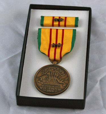 Original Vietnam Service Medal set - 2 Campaign Stars in GI Issue Box