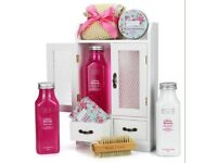 Cherry blossom wooden cabinet gift set
