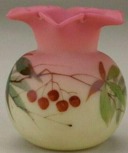 BEAUTIFUL ANTIQUE MINIATURE VICTORIAN WEBB DECORATED BURMESE VASE.