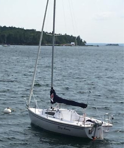 Virtually new Cataliina 22 Deep Keel Tall Rig