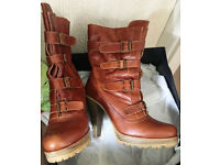 Ladies Kurt Geiger boots. Size 7. Worn once