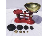 Red Victor Vintage Kitchen Weighing Scales