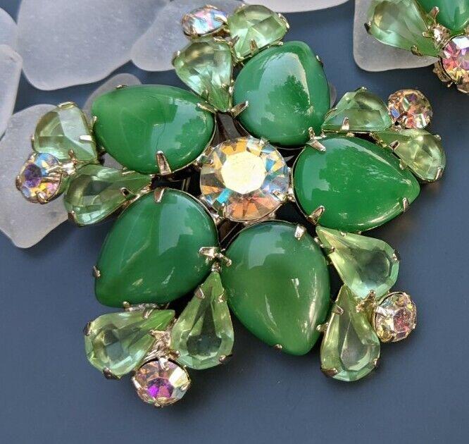 VTG Faux Jade Peridot Green Brooch Clip Cluster Earrings Set AB Aurora Borealis