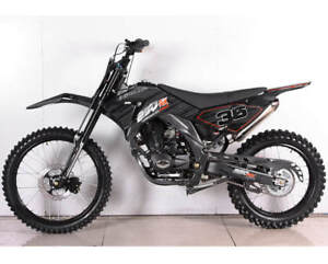 APOLLO 250 DIRT BIKES (BRAND NEW)  (SPECIAL CLEARANCE SALE)