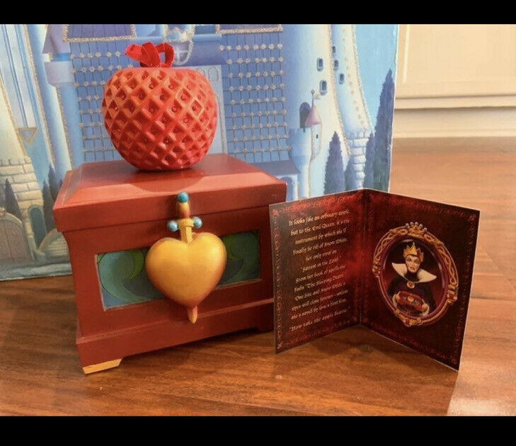 evil queen snow white poison apple Sketchbook Ornament and Collectible heart box
