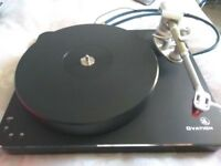 Black Clearaudio Ovation Turntable with Arm and Cartridge