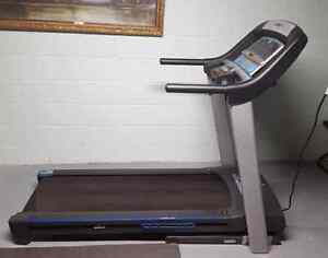 Horizon CT 5.2 treadmill for sale