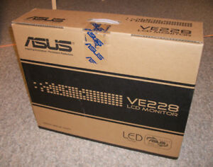 """ASUS 22"""" LCD monitor BRAND NEW"""