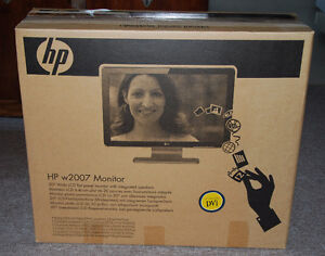 """HP w2007 Monitor 20"""" Wide LCD Flat Panel with Integrated Speaker"""