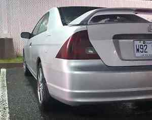 SHELL Civic 2003 TRES PROPRE