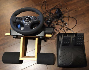 LOGITECH DRIVING FORCE PRO with lap support West Island Greater Montréal image 2