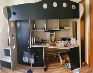 ppu *** Loft bed with desk