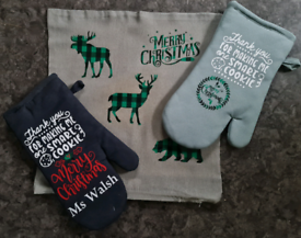 Personalised Christmas gift oven gloves