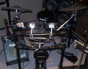 Roland VDrums TD-4 + mesh heads Roland PM10 amp headphones