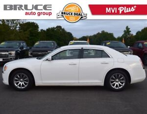 2014 Chrysler 300 TOURING - LEATHER / HEATED SEATS / REMOTE STAR