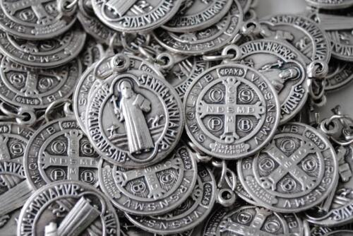 Catholic Italian St Benedict Medal - HUGE 100 Medals Lot - FREE USA SHIPPING!!!
