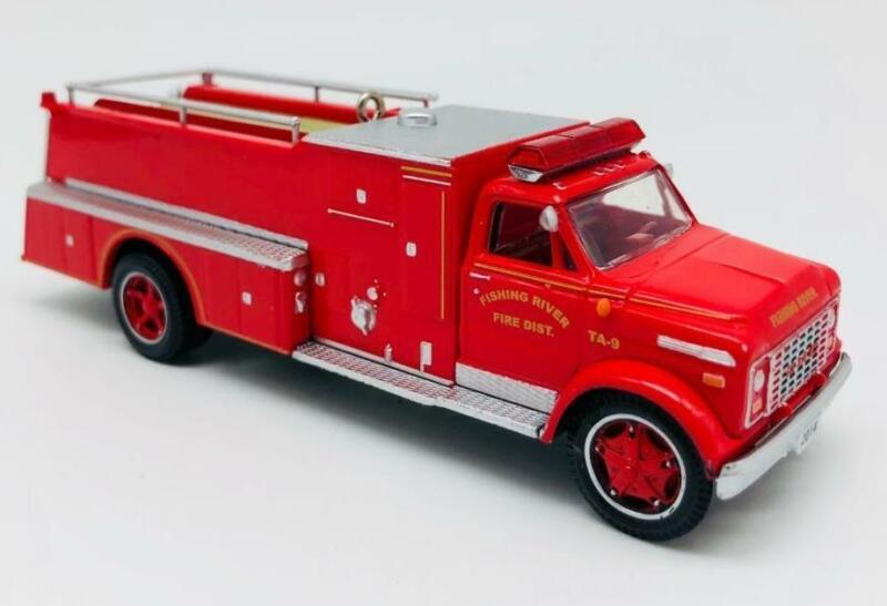2014 1971 GMC Fire Engine Hallmark Ornament Fire Brigade #12 FRONT BOX RIP