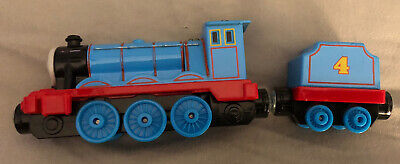 Thomas The Train Engine - GORDON Die Cast Metal Magnetic Train And Caboose