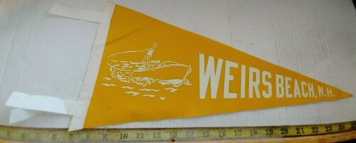 "VINTAGE WEIRS BEACH NEW HAMPSHIRE FELT PENNANT 18"" {CM558}"