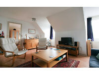 FESTIVAL LET (Ref 394): Bright top floor 2 bed flat in popular Newington area!!
