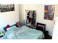 Double room to let in shared student/young professionals house in Central Lincoln near to St Marks