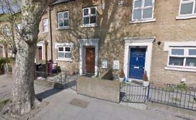 FIFTEEN MINS TO CANNING TOWN STATION THREE BEDROOM HOUSE W/ GARDEN AVAILABLE TO RENT -CALL TO VIEW!