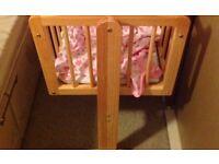 Pine swinging crib with mattress