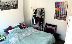 Double room available in house share in modernised house in central Lincoln near St.Marks
