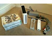 WHITE NINTENDO WII CONSOLE 6 GAMES ALL WIRES